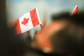 Canada to Accept 305,000 New Permanent Residents in 2016